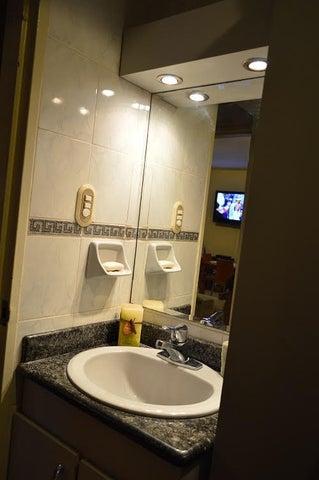 Apartamento Distrito Metropolitano>Caracas>Colinas de Bello Monte - Venta:260.547.000.000 Precio Referencial - codigo: 17-2806