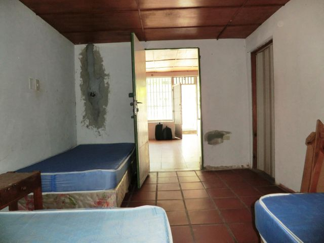 Casa Miranda>Higuerote>Alamar - Venta:17.000 US Dollar - codigo: 17-2841