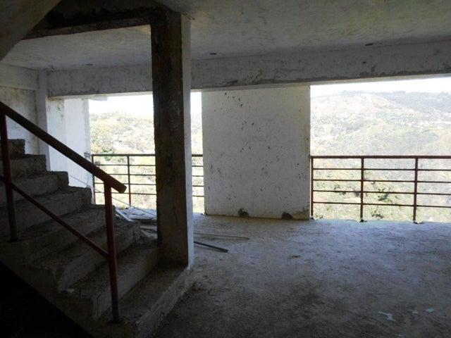 Townhouse Distrito Metropolitano>Caracas>El Hatillo - Venta:45.000 Precio Referencial - codigo: 17-2920