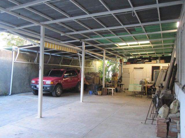 Terreno Distrito Metropolitano>Caracas>Colinas de Santa Monica - Venta:80.000 US Dollar - codigo: 17-3078
