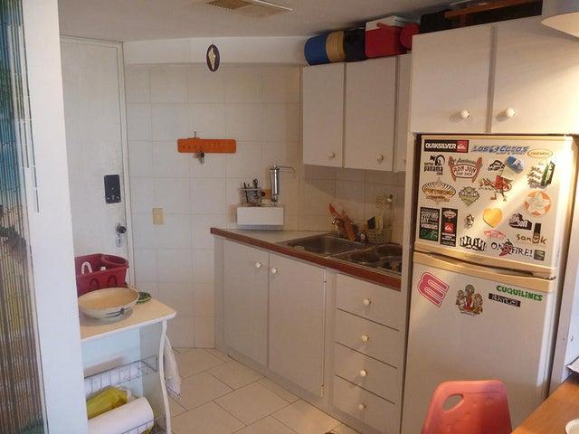 Apartamento Vargas>Catia La Mar>Playa Grande - Venta:16.000 US Dollar - codigo: 16-14901