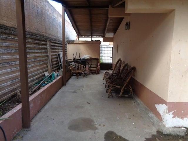 Casa Lara>Barquisimeto>Santa Elena - Venta:669.979.000.000 Precio Referencial - codigo: 17-3616