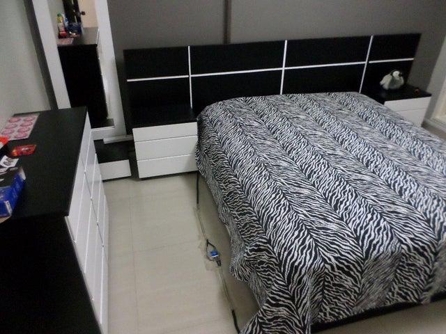 Apartamento Distrito Metropolitano>Caracas>El Paraiso - Venta:35.000 US Dollar - codigo: 17-3632
