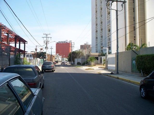 Apartamento Zulia>Maracaibo>Calle 72 - Venta:68.000 US Dollar - codigo: 17-3858