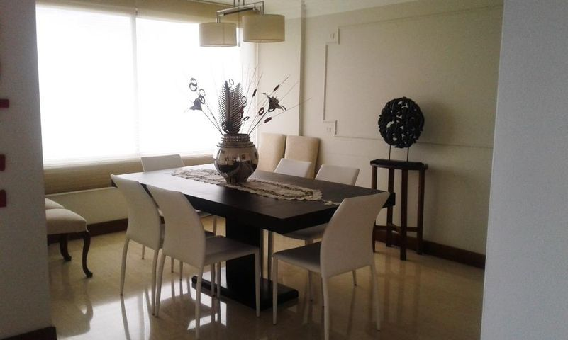 Apartamento Distrito Metropolitano>Caracas>Lomas de Prados del Este - Venta:280.000 Precio Referencial - codigo: 17-3933