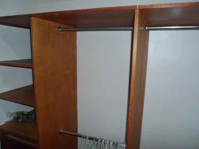 Apartamento Distrito Metropolitano>Caracas>Prado Humboldt - Venta:85.000 US Dollar - codigo: 17-4098