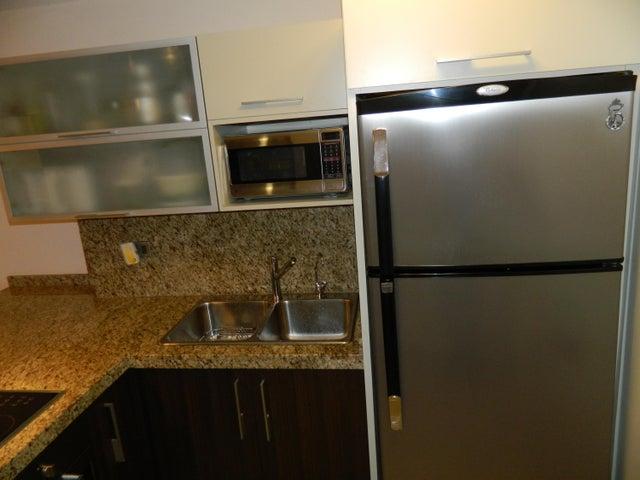 Apartamento Distrito Metropolitano>Caracas>Los Naranjos Humboldt - Venta:95.639.000.000 Precio Referencial - codigo: 17-4264