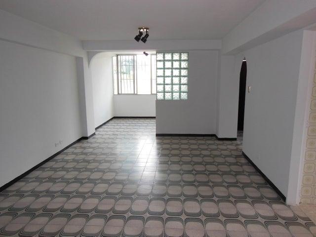 Apartamento Distrito Metropolitano>Caracas>Macaracuay - Venta:50.000 Precio Referencial - codigo: 17-4353