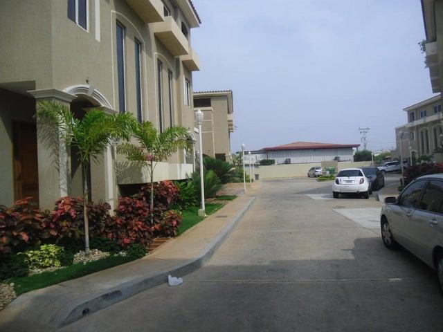 Casa Zulia>Maracaibo>Lago Mar Beach - Venta:67.676.000.000 Bolivares - codigo: 15-4510