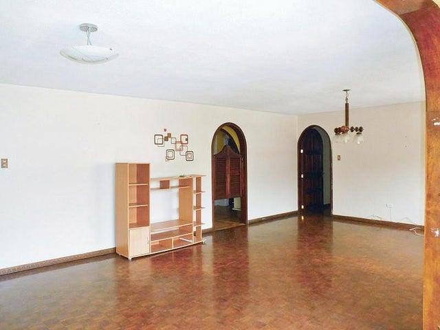 Apartamento Aragua>La Victoria>Avenida Victoria - Venta:60.000.000 Bolivares Fuertes - codigo: 16-8053