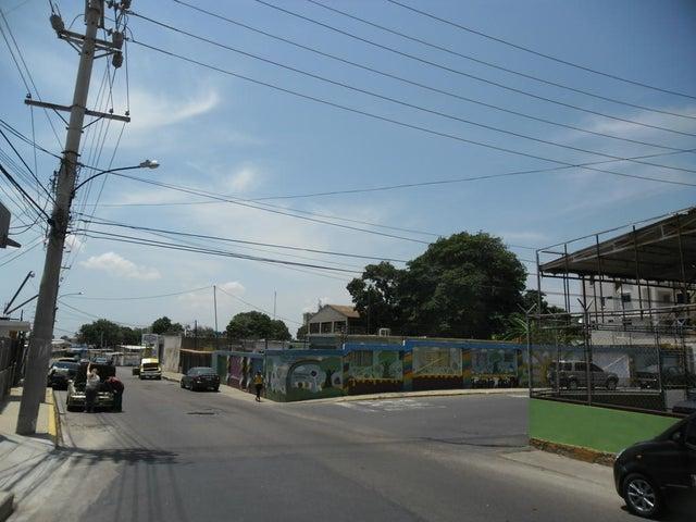 Casa Zulia>Maracaibo>Santa Maria - Venta:15.268.000.000 Precio Referencial - codigo: 16-1542