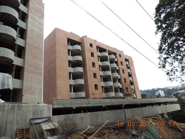 Apartamento Distrito Metropolitano>Caracas>Santa Fe Sur - Venta:32.999.000.000 Bolivares Fuertes - codigo: 16-7883