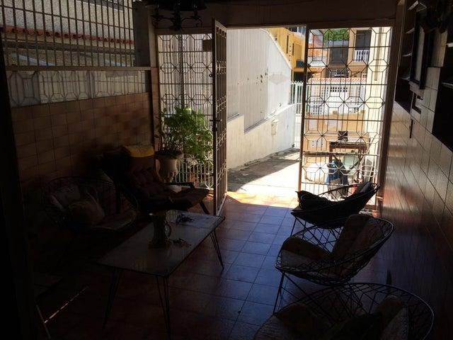 Casa Distrito Metropolitano>Caracas>La California Norte - Venta:131.448.000.000 Precio Referencial - codigo: 15-14947