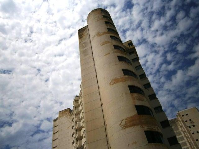 Apartamento Vargas>Catia La Mar>Playa Grande - Venta:301.996.000.000 Precio Referencial - codigo: 17-4945