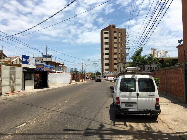 Terreno Zulia>Maracaibo>Valle Frio - Venta:8.756.000 Precio Referencial - codigo: 17-4941