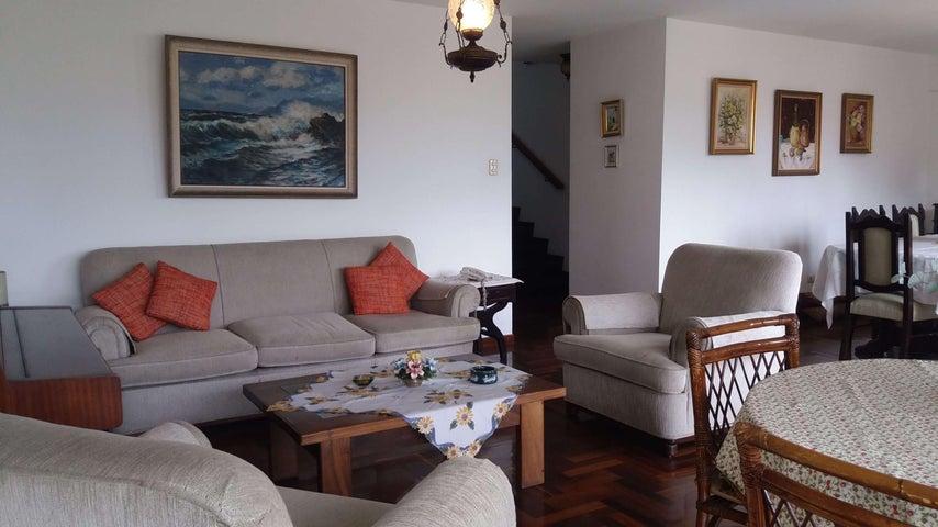 Apartamento Distrito Metropolitano>Caracas>Colinas de Bello Monte - Venta:135.000 Precio Referencial - codigo: 17-5056