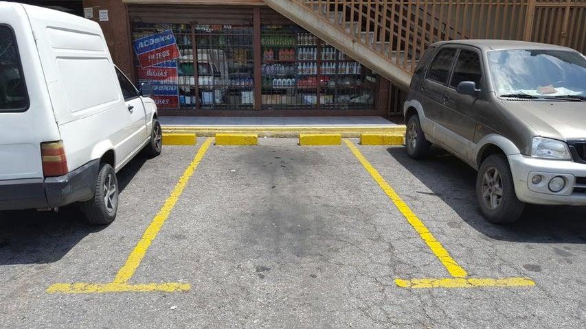 Local Comercial Distrito Metropolitano>Caracas>La Urbina - Venta:38.000 Precio Referencial - codigo: 17-1354