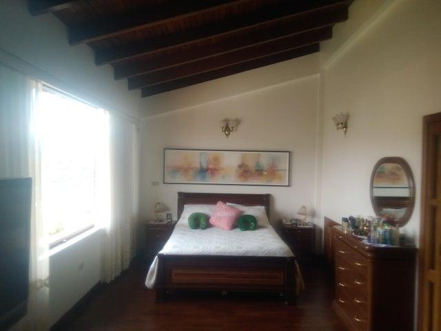 Casa Miranda>Carrizal>Municipio Carrizal - Venta:400.000 US Dollar - codigo: 17-5128