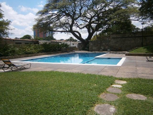Apartamento Distrito Metropolitano>Caracas>El Marques - Venta:20.785.000.000 Bolivares Fuertes - codigo: 17-6289