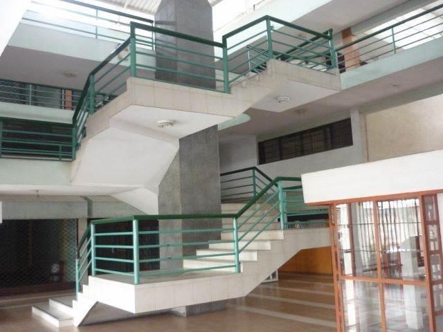 Local Comercial Portuguesa>Acarigua>Centro - Venta:1.385.000.000 Bolivares Fuertes - codigo: 17-5187