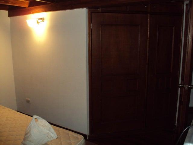 Apartamento Aragua>Maracay>La Soledad - Venta:220.000 US Dollar - codigo: 17-5334