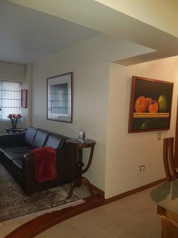 Apartamento Distrito Metropolitano>Caracas>Las Esmeraldas - Venta:34.609.000.000 Bolivares Fuertes - codigo: 17-5364