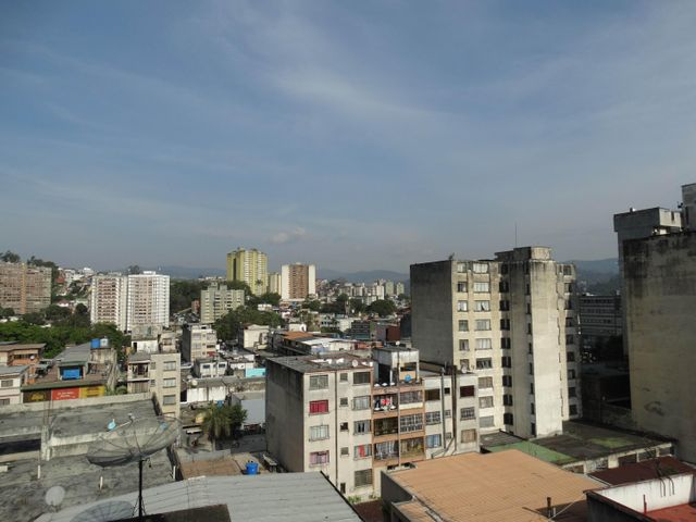 Apartamento Miranda>Los Teques>Municipio Guaicaipuro - Venta:118.149.000.000 Precio Referencial - codigo: 17-5604