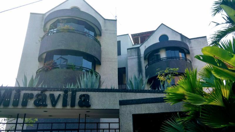 Apartamento Distrito Metropolitano>Caracas>Miranda - Alquiler:2.753.000.000 Precio Referencial - codigo: 17-5651