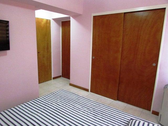 Apartamento Distrito Metropolitano>Caracas>Lomas del Avila - Venta:1.932.000.000 Bolivares Fuertes - codigo: 17-5788