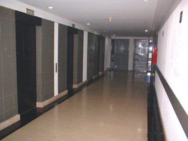 Oficina Distrito Metropolitano>Caracas>Chacaito - Alquiler:231.000.000 Bolivares Fuertes - codigo: 17-10940