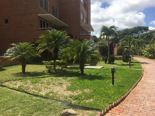Apartamento Distrito Metropolitano>Caracas>La Lagunita Country Club - Alquiler:2.500 Precio Referencial - codigo: 18-6154