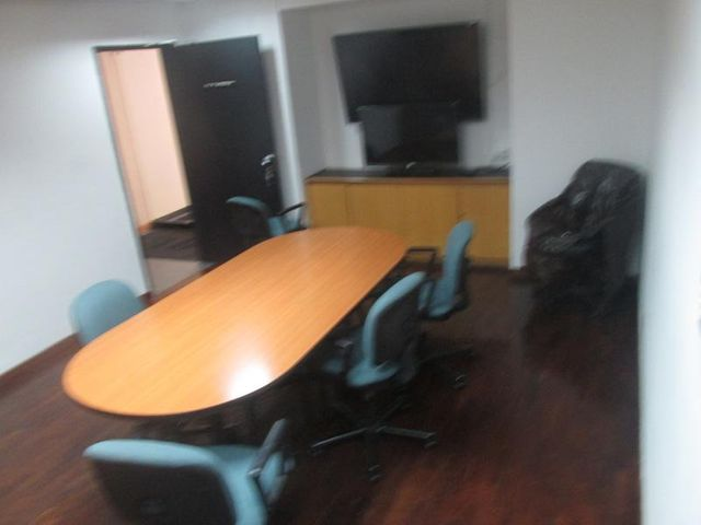 Oficina Distrito Metropolitano>Caracas>La Castellana - Alquiler:1.800 US Dollar - codigo: 17-6320