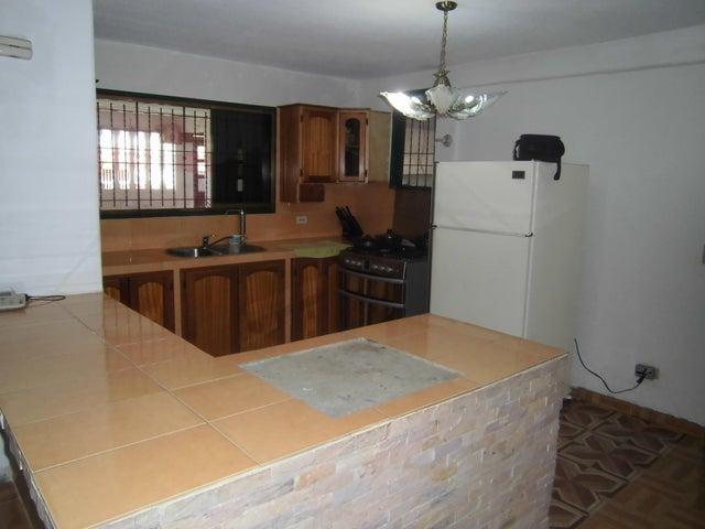 Casa Miranda>Charallave>Charallave Country - Venta:35.000 Precio Referencial - codigo: 17-6402