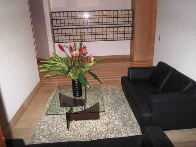 Apartamento Distrito Metropolitano>Caracas>Los Palos Grandes - Venta:519.853.000.000 Precio Referencial - codigo: 17-6419