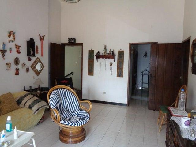 Casa Lara>Barquisimeto>Colinas Del Turbio - Venta:276.274.000.000 Bolivares - codigo: 17-6453