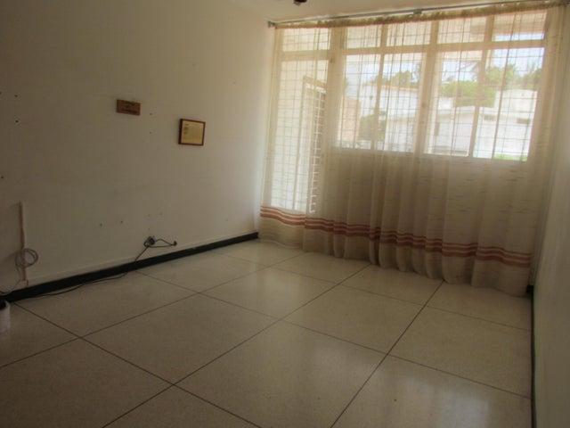 Casa Distrito Metropolitano>Caracas>Cumbres de Curumo - Venta:500.000 Precio Referencial - codigo: 17-6483