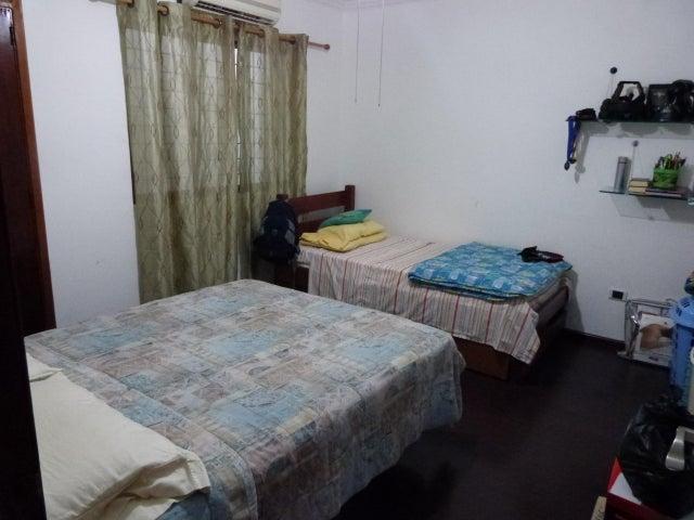Casa Distrito Metropolitano>Caracas>La California Norte - Venta:300.000 Precio Referencial - codigo: 17-6548