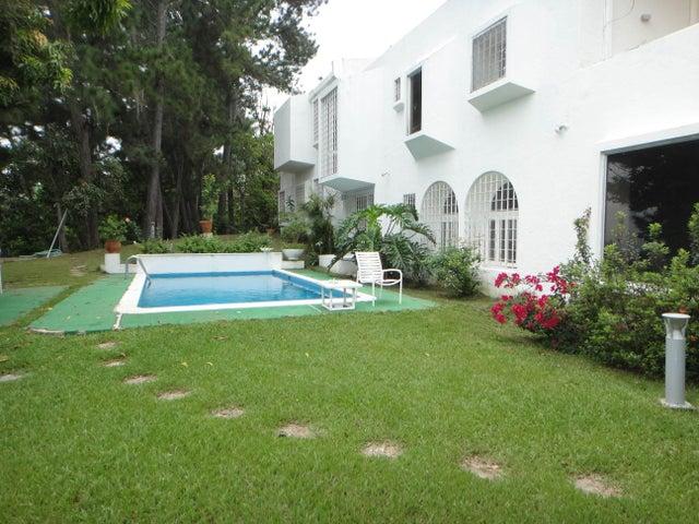 Casa Distrito Metropolitano>Caracas>Cerro Verde - Venta:1.851.709.000.000 Precio Referencial - codigo: 16-15445