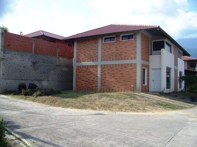 Casa Miranda>Guatire>El Castillejo - Venta:26.000 US Dollar - codigo: 17-6632