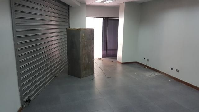 Local Comercial Zulia>Ciudad Ojeda>Avenida Bolivar - Venta:474.726.000.000 Precio Referencial - codigo: 17-6762