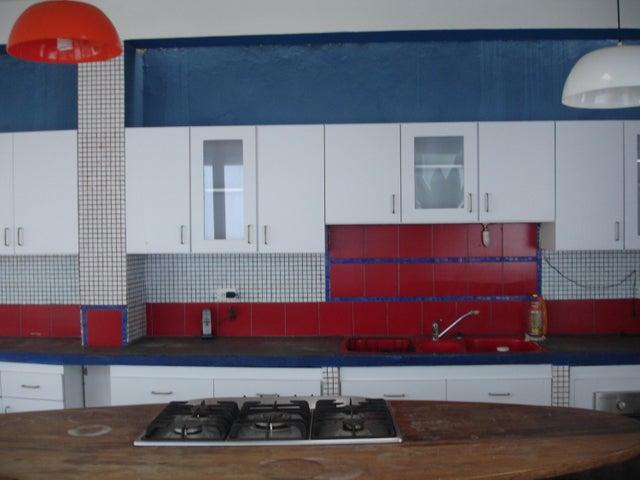 Casa Distrito Metropolitano>Caracas>Los Palos Grandes - Venta:90.527.000.000 Bolivares - codigo: 17-6777