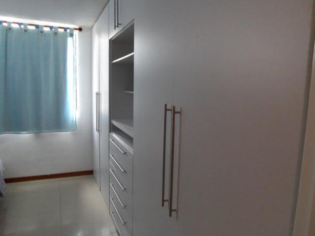 Apartamento Distrito Metropolitano>Caracas>Los Naranjos Humboldt - Venta:10.828.000.000 Bolivares Fuertes - codigo: 17-6813
