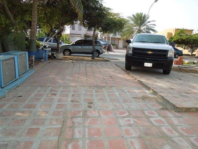 Casa Anzoategui>Lecheria>Complejo Turistico EL Morro - Venta:120.000 US Dollar - codigo: 17-6980