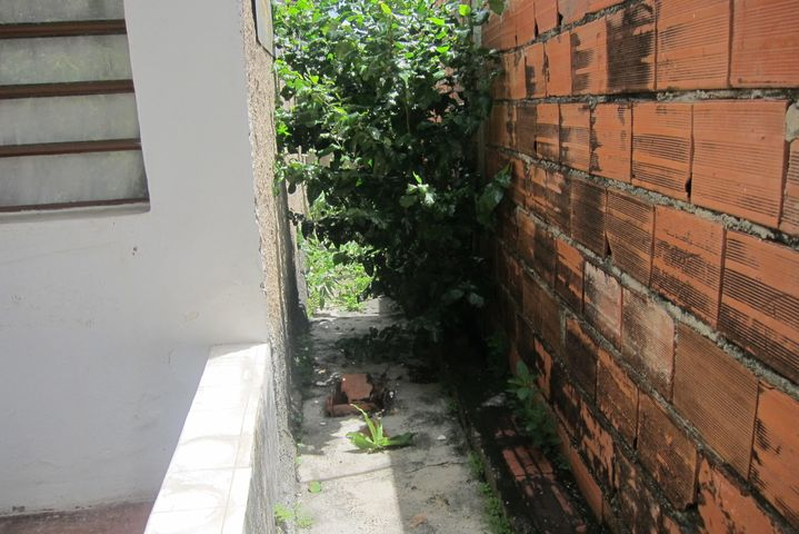 Casa Miranda>Charallave>Chara - Venta:8.000 Precio Referencial - codigo: 17-7128