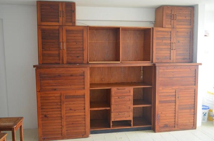 Apartamento Vargas>Catia La Mar>Playa Grande - Venta:90.496.000.000 Precio Referencial - codigo: 17-7169