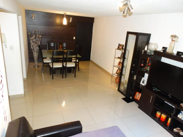 Apartamento Distrito Metropolitano>Caracas>Terrazas de Guaicoco - Venta:5.756.000.000 Bolivares Fuertes - codigo: 17-7208