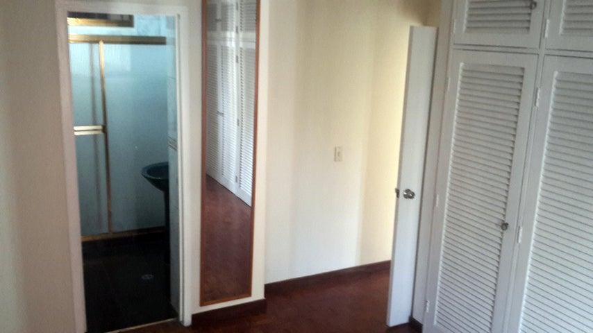 Apartamento Distrito Metropolitano>Caracas>La Campiña - Venta:11.316.000.000 Bolivares Fuertes - codigo: 17-7415