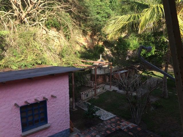 Casa Aragua>Ocumare de la Costa>El Playon - Venta:92.306.000.000 Bolivares - codigo: 16-17648