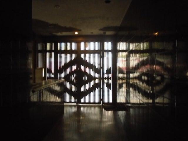 Edificio Distrito Metropolitano>Caracas>Los Caobos - Venta:3.500.000 US Dollar - codigo: 17-9009