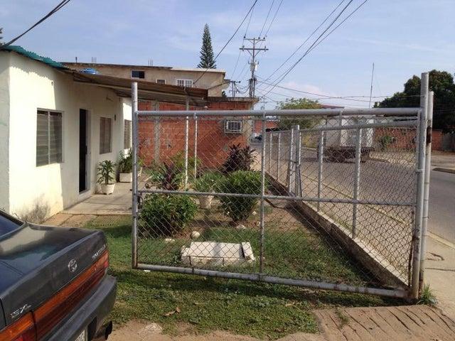 Terreno Zulia>Ciudad Ojeda>Avenida Vargas - Venta:13.000 US Dollar - codigo: 17-7850